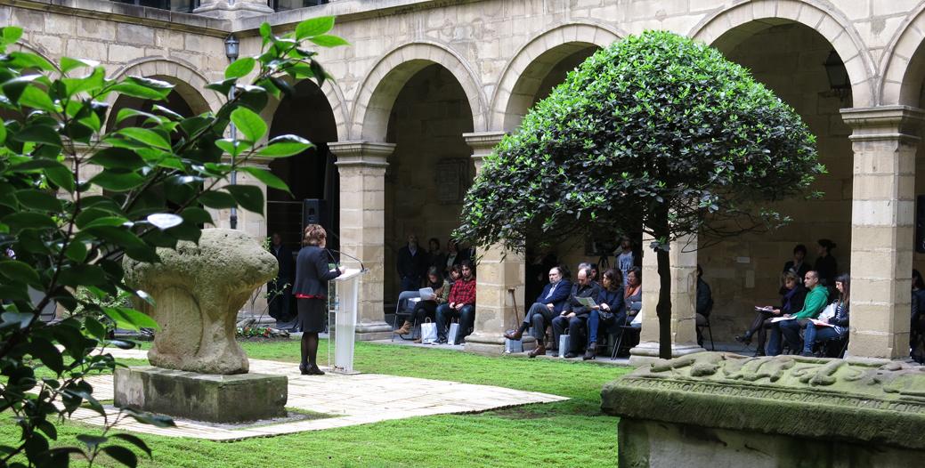 Presentación del Día Internacional de los Museos 2014 en el claustro del Museo Vasco de Bilbao.